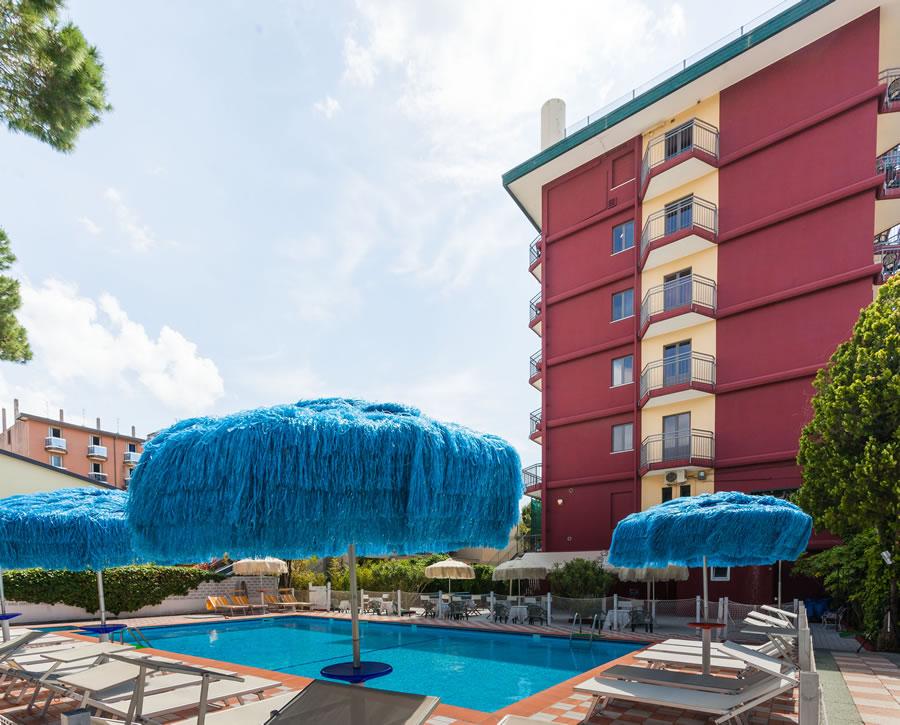 Hotel frank jesolo 3 stelle con spiaggia privata e piscina - Hotel con piscina jesolo ...