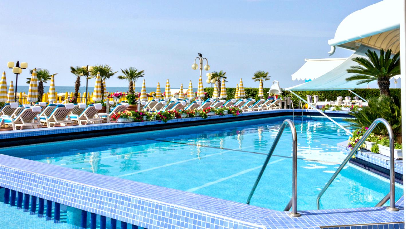 Hotel Cavalieri Palace Jesolo 4 Sterne direkt am Meer